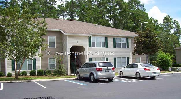 Lewis Place at Ironwood Apartments