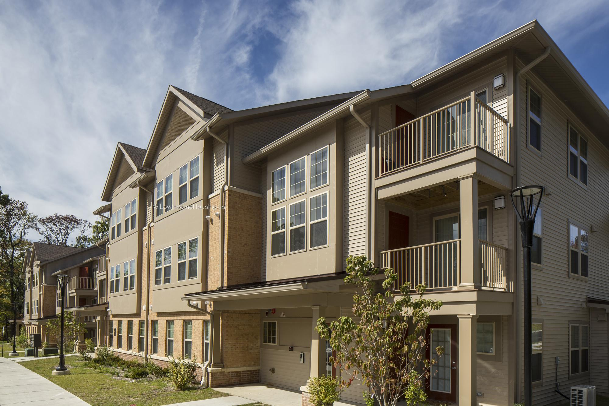 Saddlebrook Court Apartments