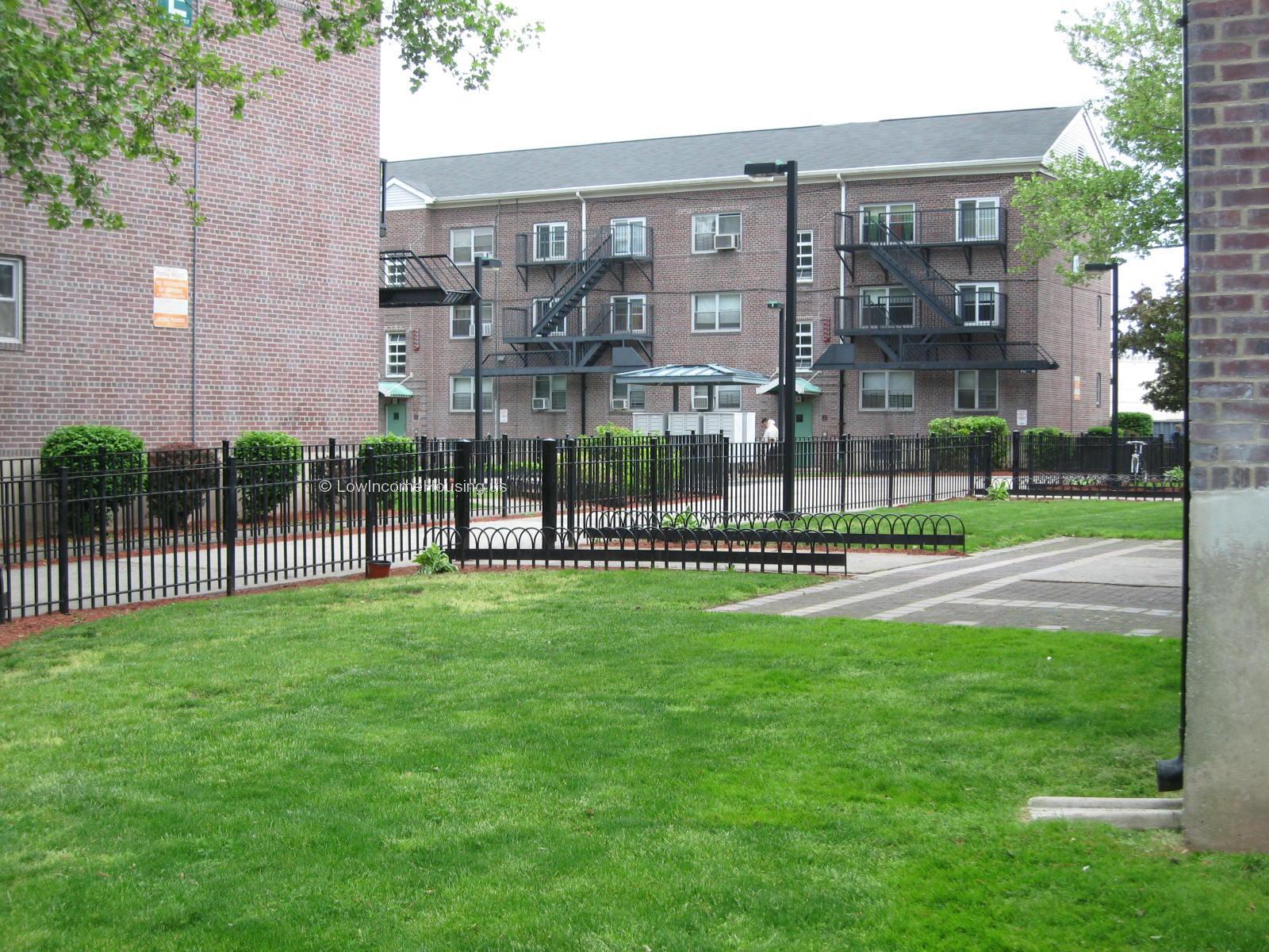Mravlag Manor 688 Maple Avenue Elizabeth Nj 07202 Lowincomehousing Us