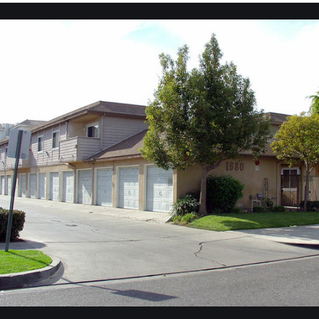 Villa Catalpa Apartments Anaheim