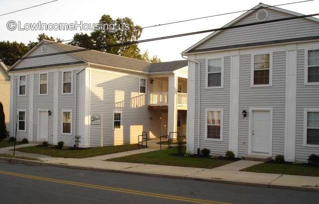 Blair Apartments, Family Complex