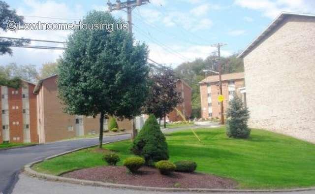 Maple Ridge Apartments Aka East Hills Park Apartments