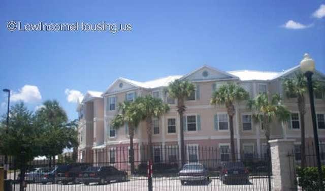 Crescent Club Apartments Orlando
