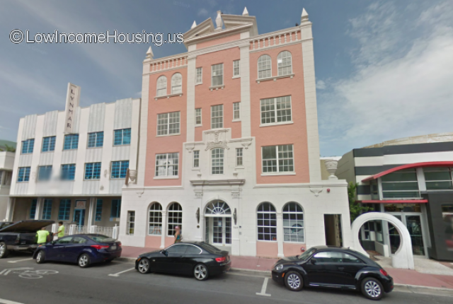 London Arms Miami Beach