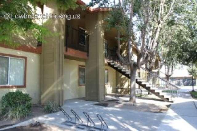 Sequoia View Apartments – Orosi