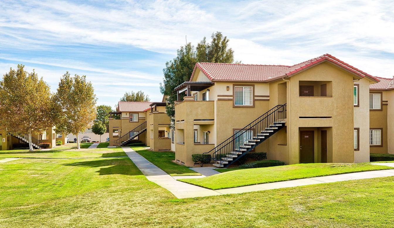 Village Oak Apartments