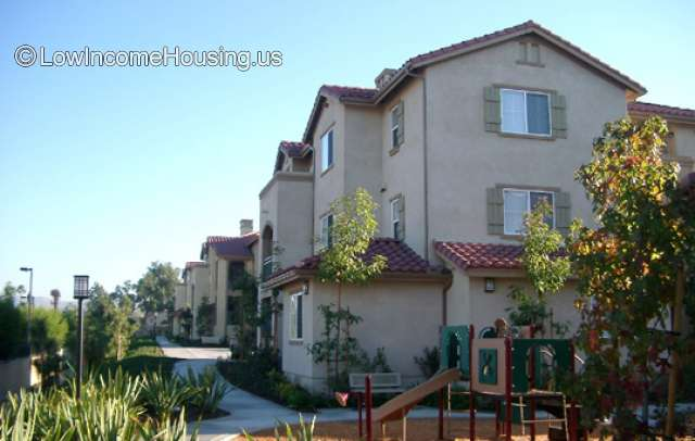 Windrow Apartments - Irvine