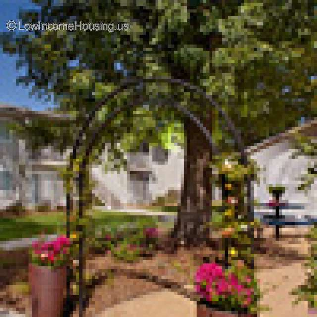Meadowview I Family Apartments