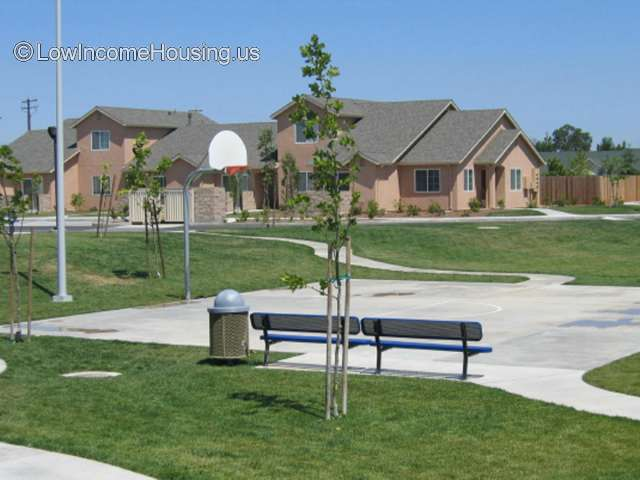 Rolling Hills Village