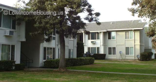 Woodlake Garden Apartments