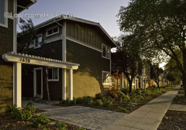 Hillsdale Townhouses