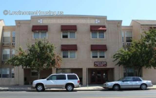 Valencia House Apartments - Woodlake