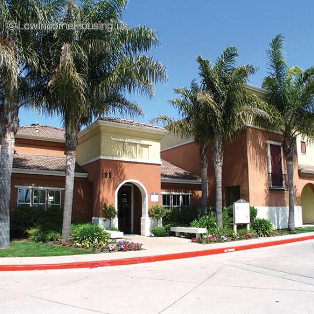 Plaza Club Apartments Salinas