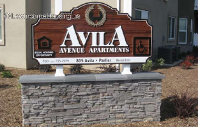 Avila Avenue Apartments Parlier