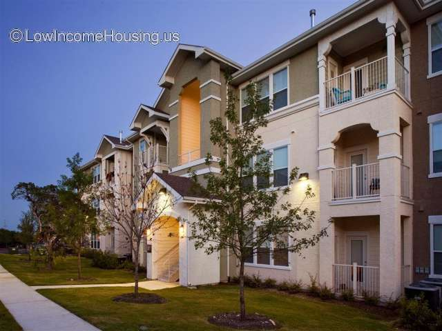 Encino Pointe Apartment Homes