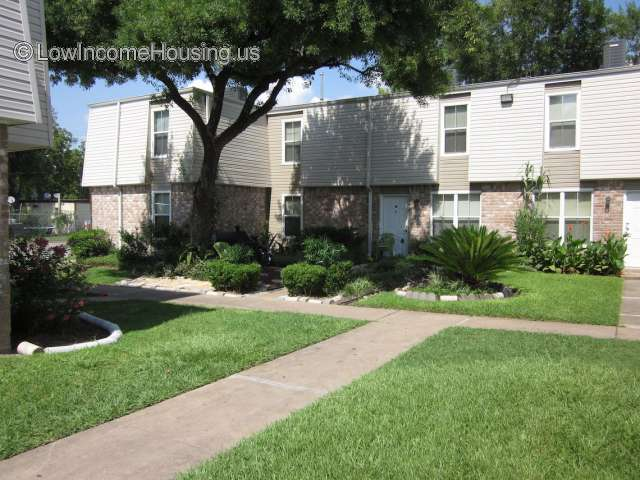 Yale Village Apartments - Houston