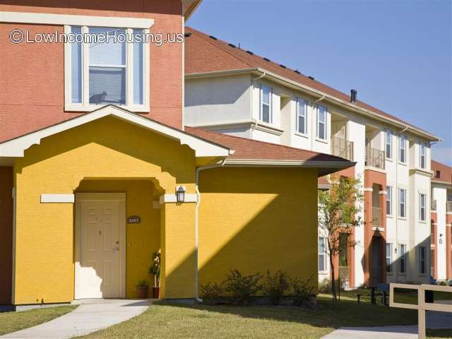 Costa Almadena Apartment Homes San Antonio Tx