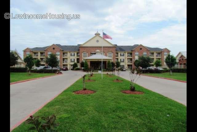 Highland Manor La Marque