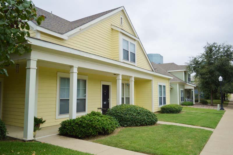 Hillside Apartments | 300 Crump St, Fort Worth, TX 76102 ...