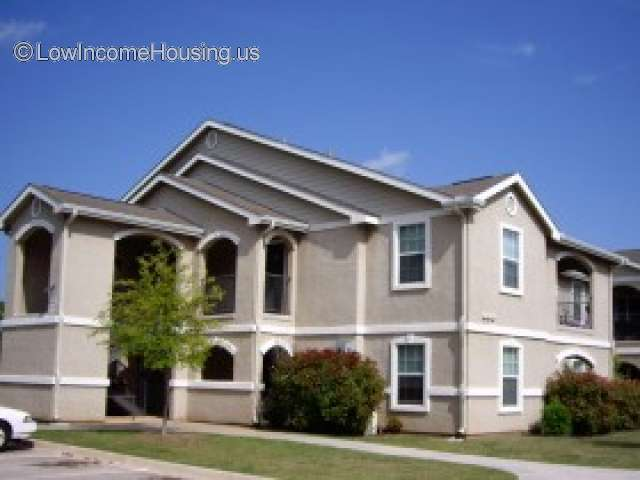 Woodview Apartments - Wichita Falls