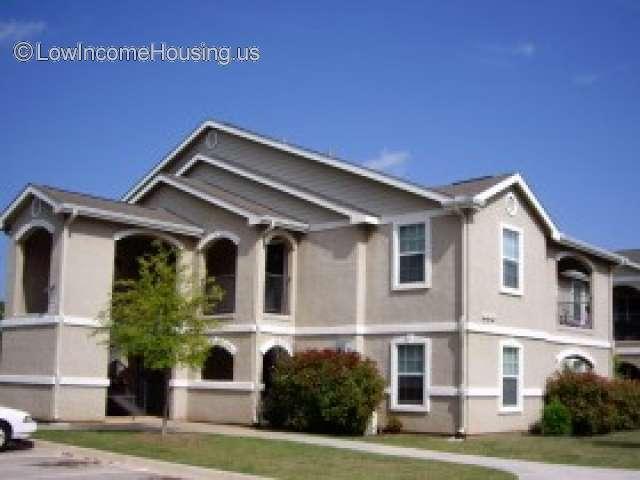 Woodview Apartments - Wichita Falls