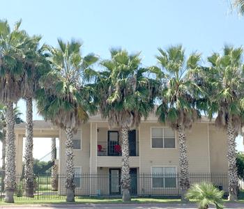 Amistad Apartments
