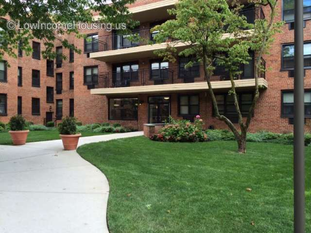 Twin Oaks Apartments Hempstead