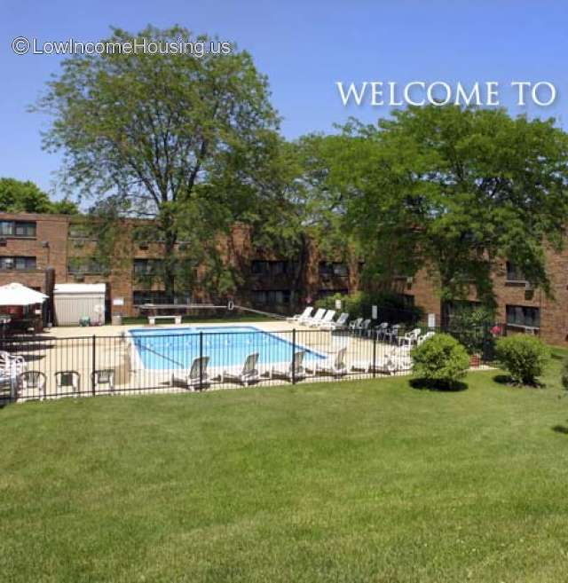 Kings Court Apartments Waukegan