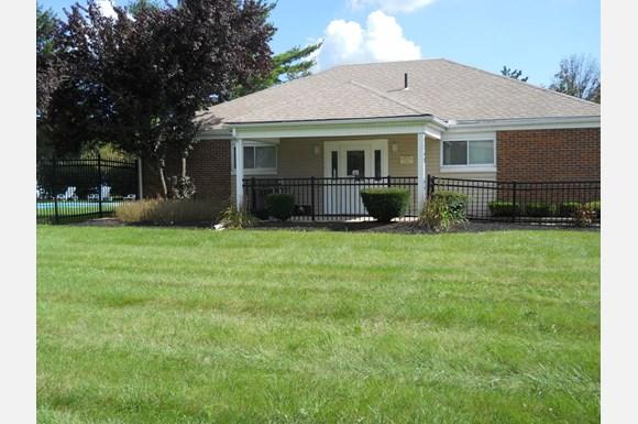 Berwick Grove Apartments | 3240 Tradan Drive, Columbus, OH