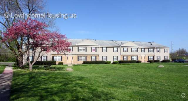 Amberly Square Apartments Columbus