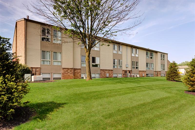 Pine Crossing Apartments