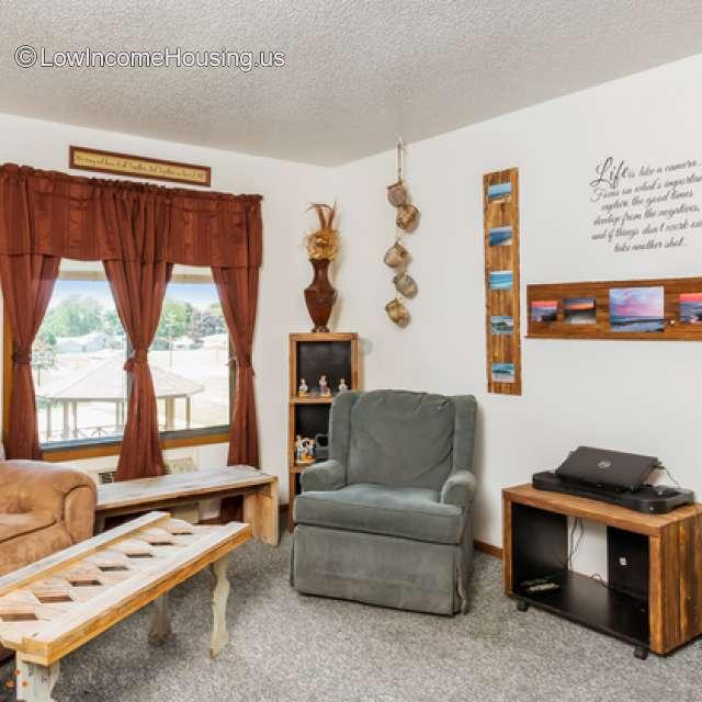 Apartments At Iowa: Newton Park Apartments For Families