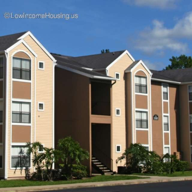 Woodwind Apartments: 1131 Castle Wood Terrace