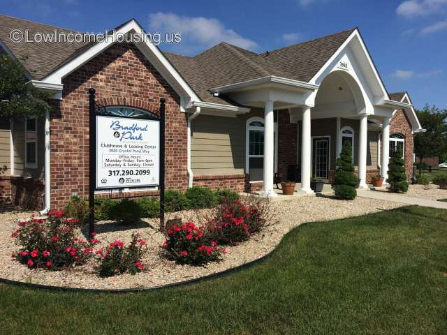 Bradford Park Apartment Homes | 3940 Crystal Pond Way ...