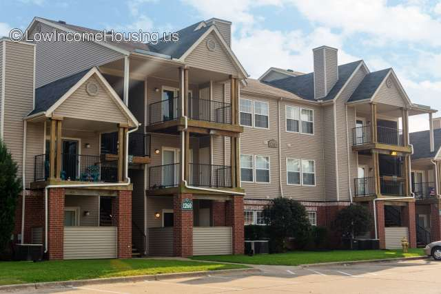 Crowne Forest Apartments