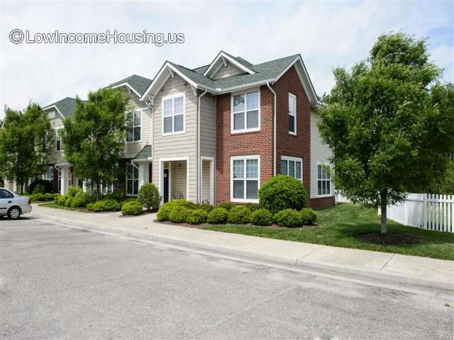 Grand Oaks Apartment Homes