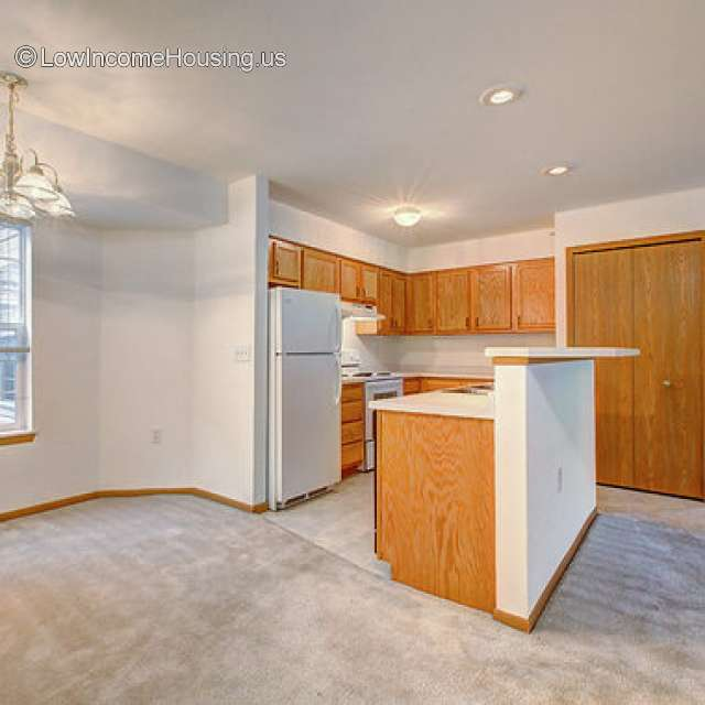 Cheap Apartments Low Income: 575 W. Slifer Street, Portage, WI 53901