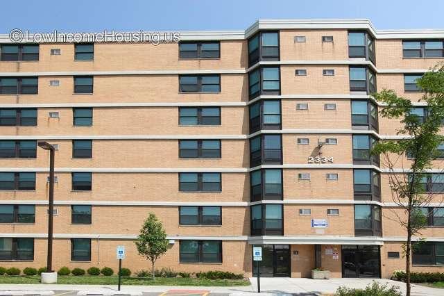 Oakley Square Apartments - IL