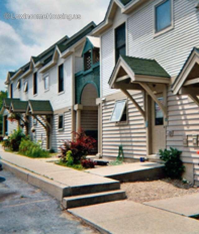 Pine Meadow Apartments - VT