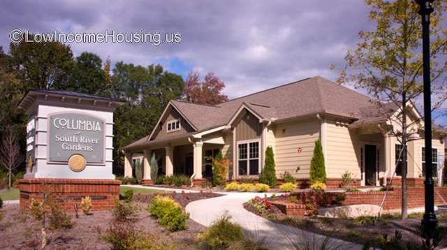 126134 columbia at south river gardens czr - Columbia South River Gardens Apartments Reviews