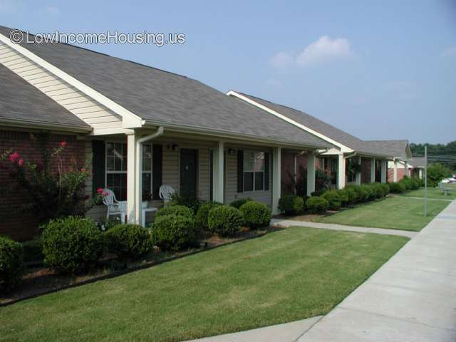 Ivy Pointe Apartments I & II