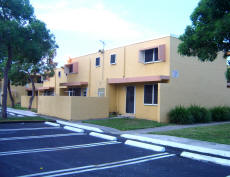 Modello - Miami Public Housing Apartment