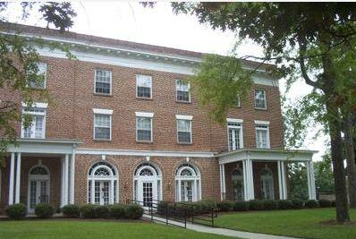 Colonial Lodge - NC