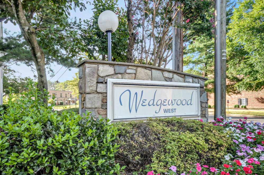 Wedgewood Apartments - VA