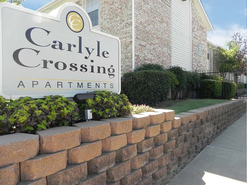 Carlyle Crossing Apartments