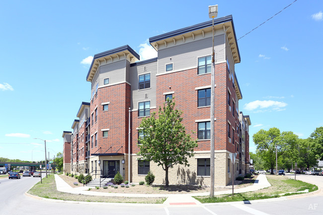 Kingston Village Apartments