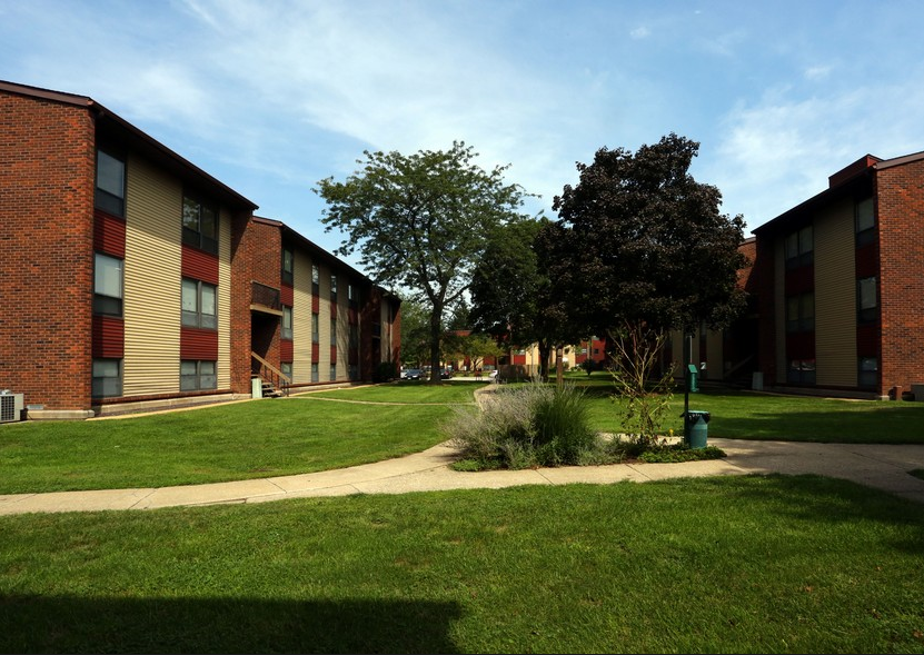 Cedar Point Apartments - IL