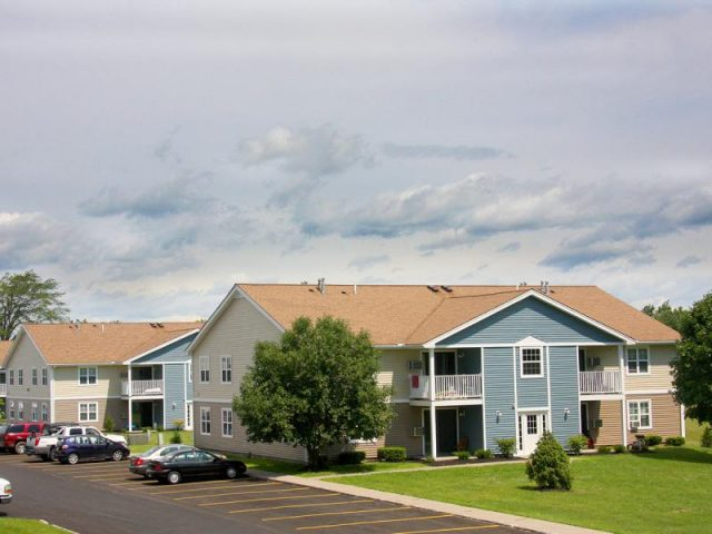 Wood Creek Apartments