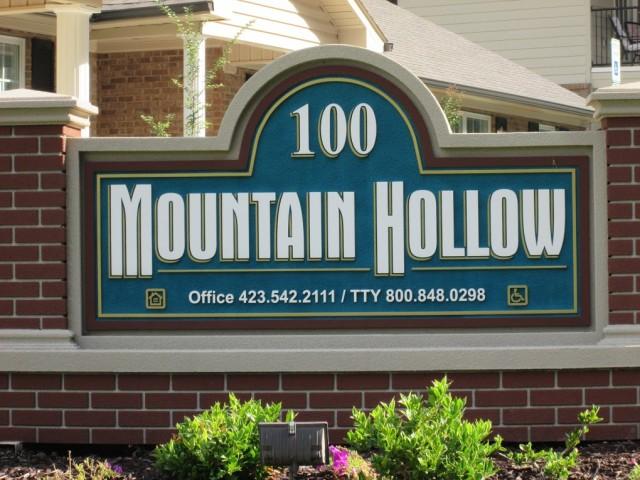 Mountain Hollow Apartments