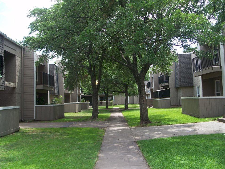 Hillcrest Apartments - Mesquite